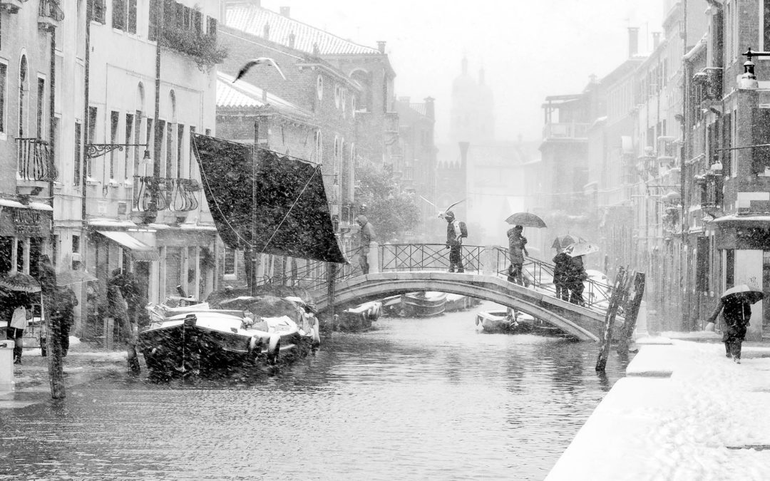 Venezia: Ponte dei Pugni con la neve
